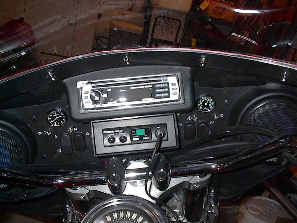 Customizing my 2000 Kawasaki Vulcan Nomad (3/4)